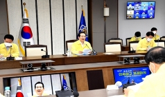 """정 총리 """"장마·무더위 속에서도 국민안전 위해 흐트러짐 없어야"""""""
